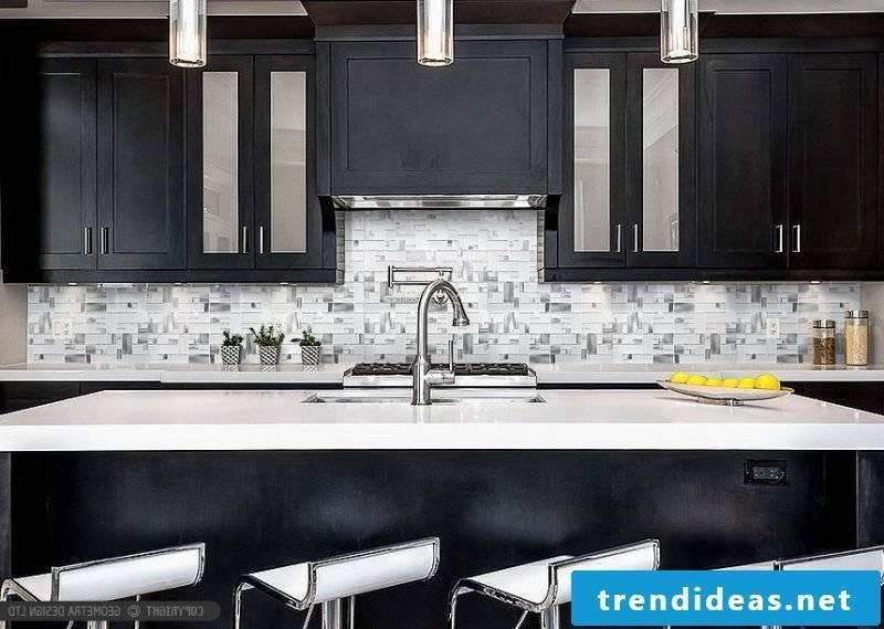 modern metallic kitchen with stone look foil cake wall