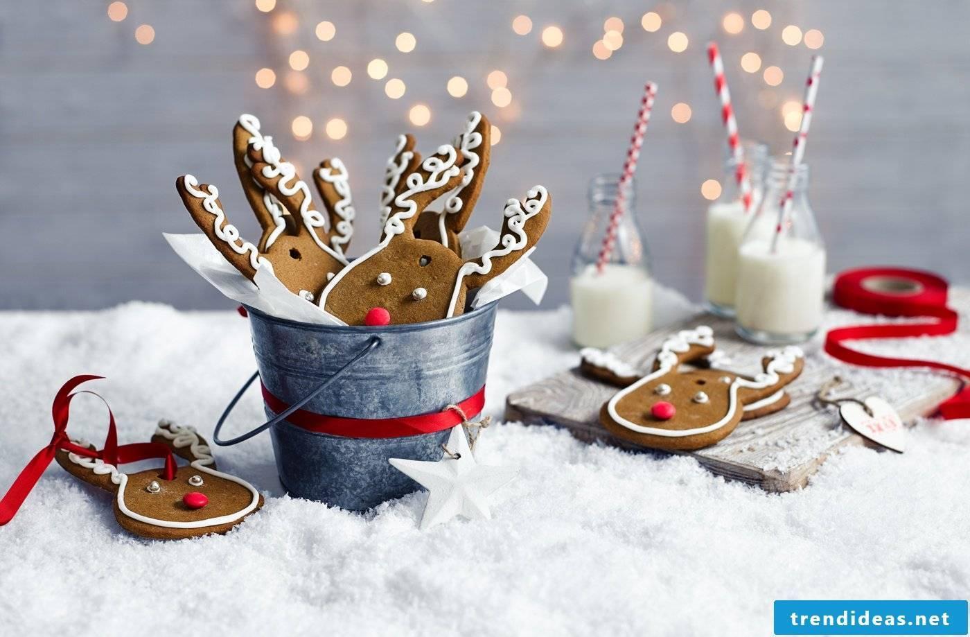 Gift for girlfriend - baking christmas cookies