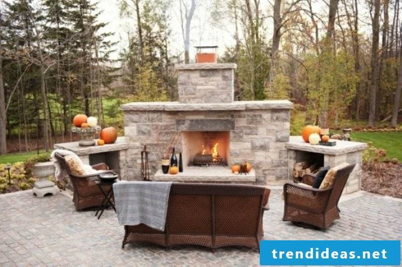 Build garden fireplace of stone yourself
