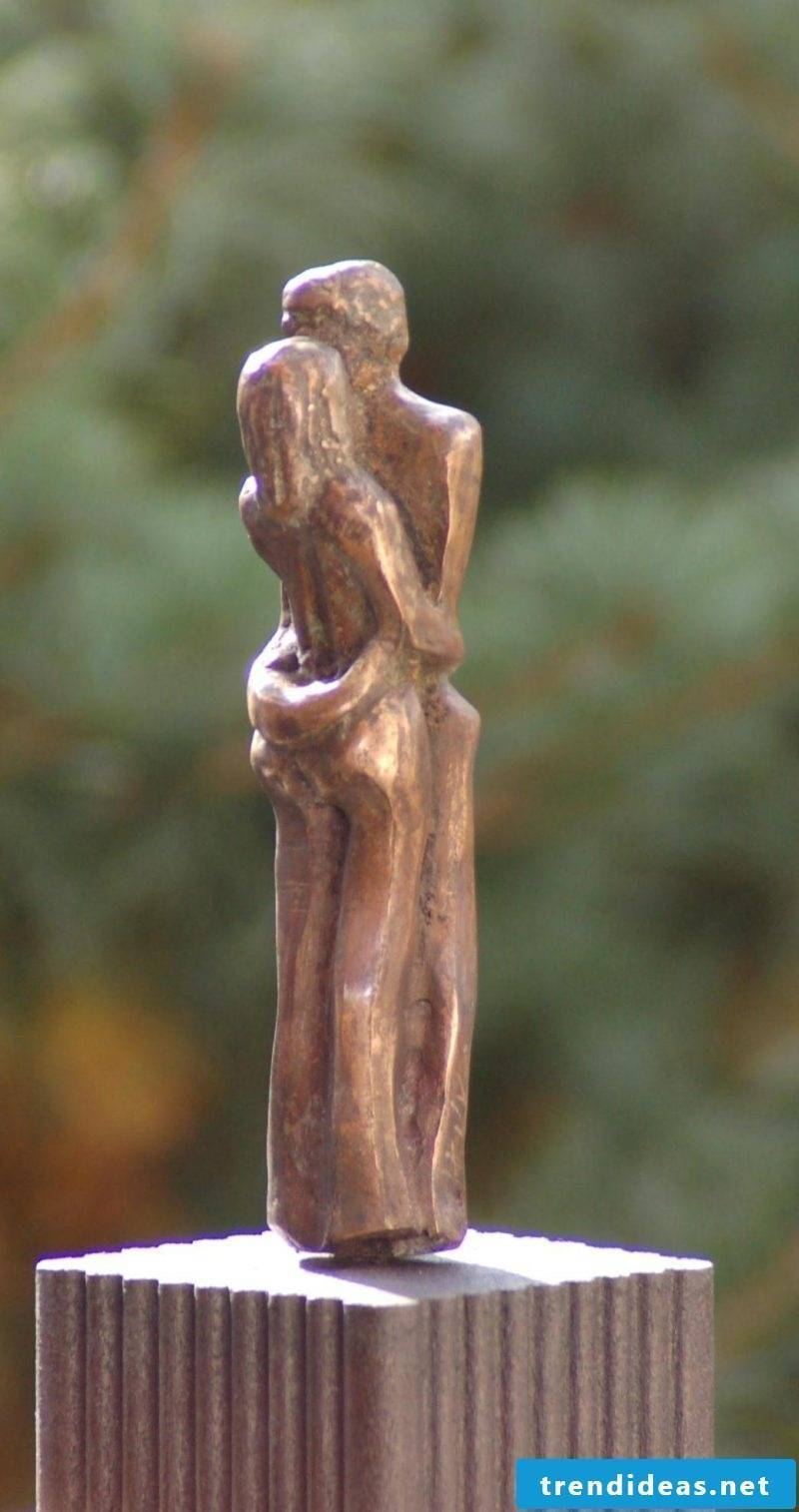 garden sculptures bronze