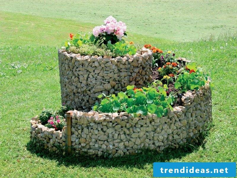 Garden design ideas herbal snail