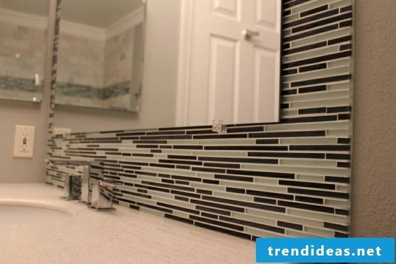 glass mosaic bathroom wall