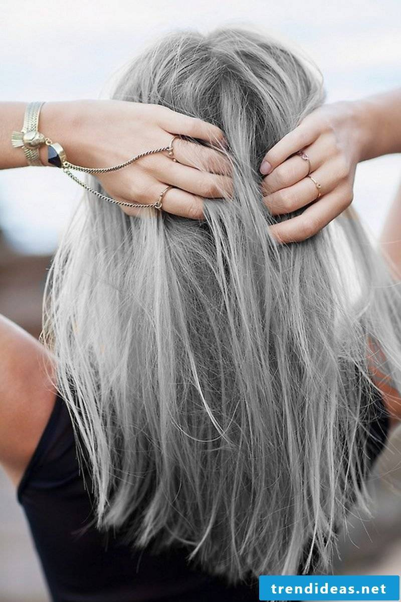 Shades of gray match well with blondes