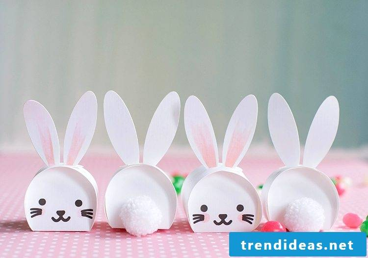 Craft Ideas Easter: DIY crafting cute boxes in the shape of Easter bunnies with children