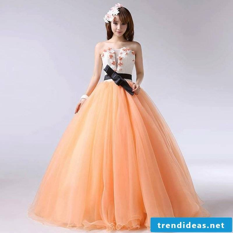 Wedding dress of two parts Apricot color