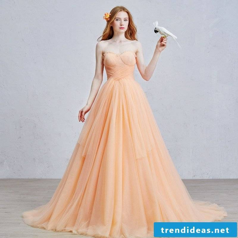 Wedding dress in apricot color vintage look