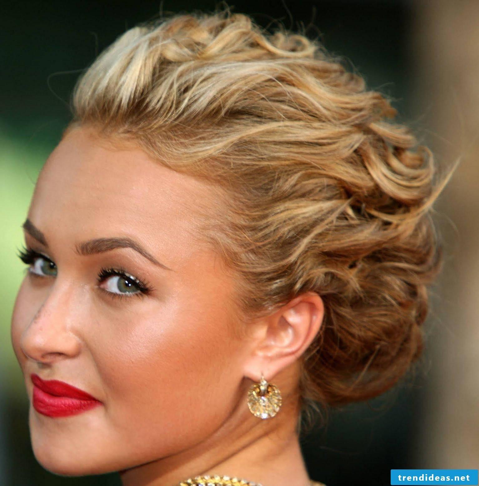 Glamorous red-carpet hairstyle