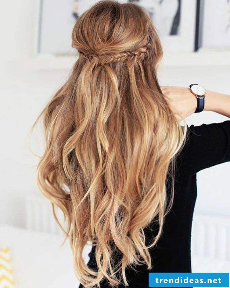 Women's and men's hairstyles 2017