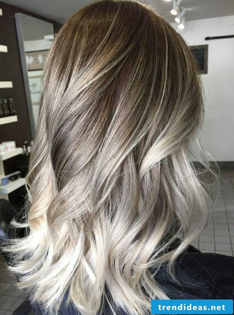 Hairstyles for long hair and modern hair color balayage technique