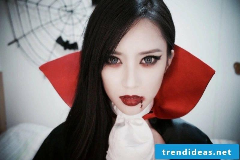 Ladies costume vampire woman