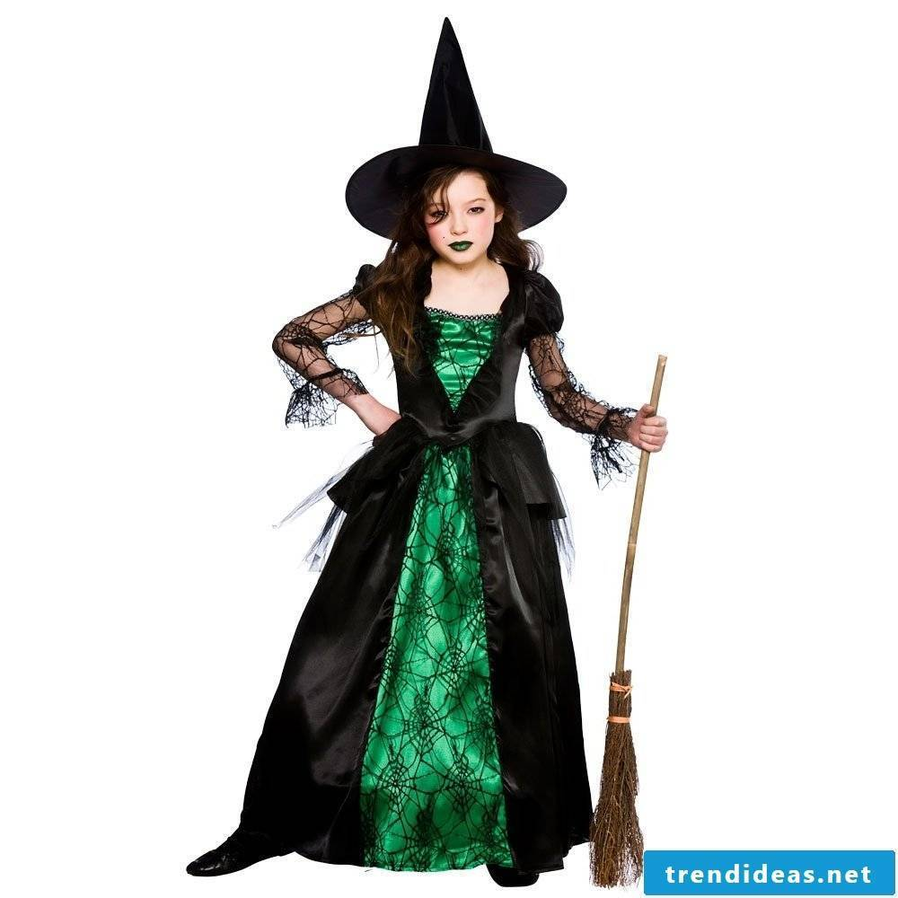 Cool witch in green