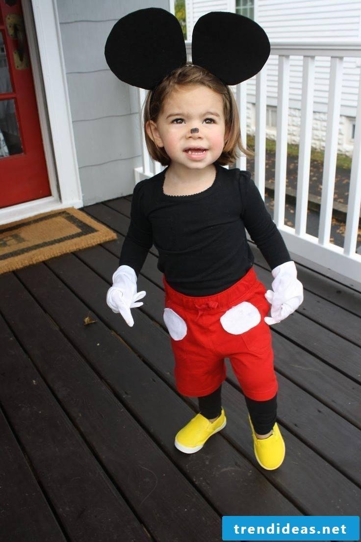 A sweet Minnie whose costume everyone can imitate