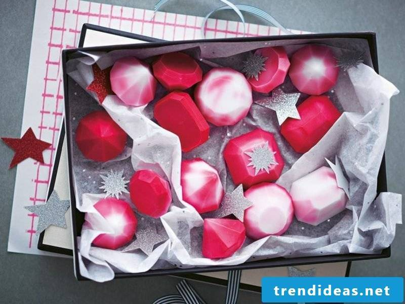 homemade gifts for Christmas great gemstone soaps