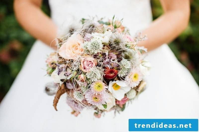 Wedding design reduce the bride's cost