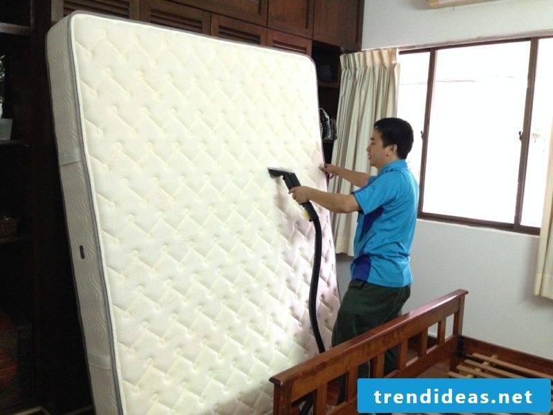 Clean the mattress