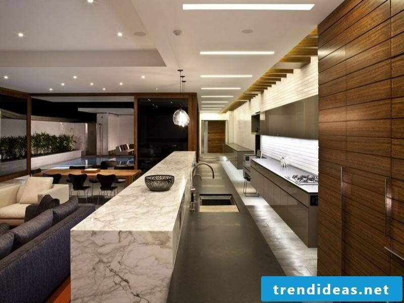 Wooden and marble combination in the kitchen