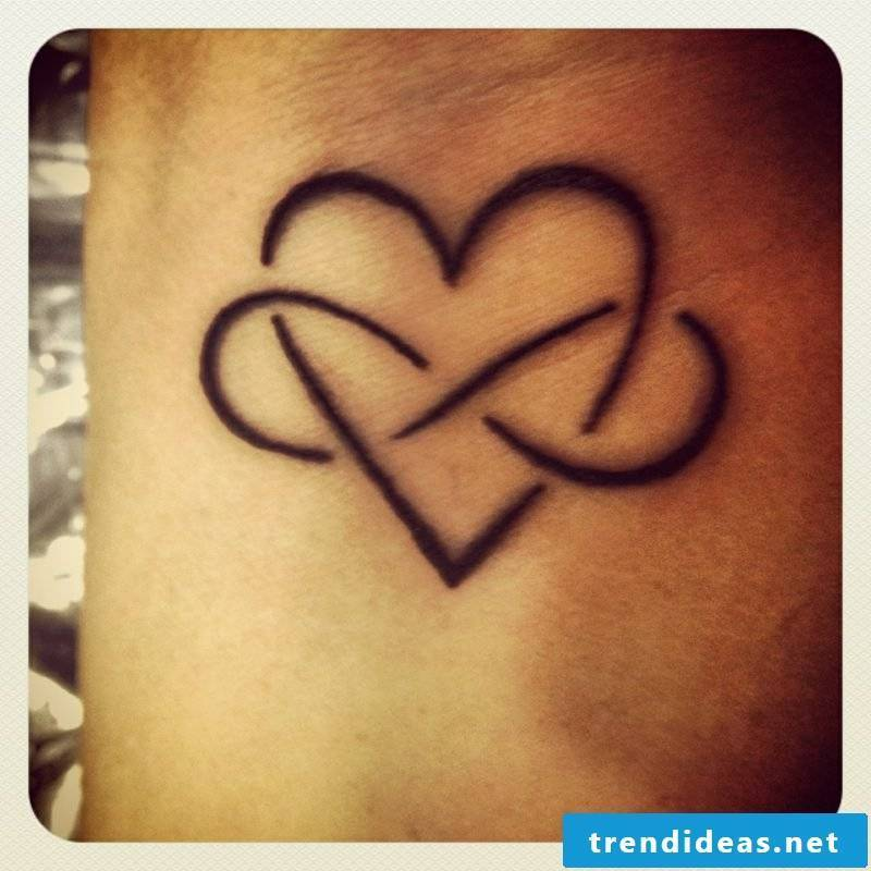 infinite sign tattoo