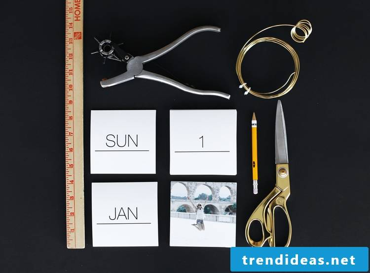 The necessary materials for a photo calendar itself figures