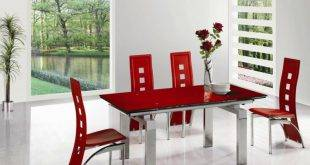 Interior in red for the dining room