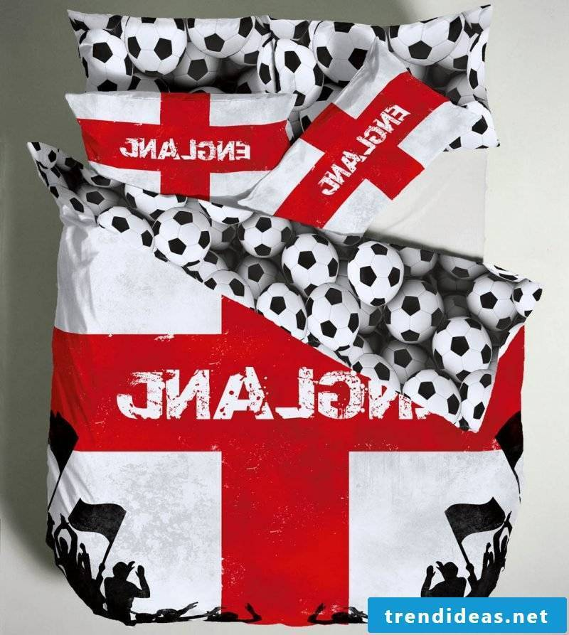 Cool bedding with sports motifs are popular with boys