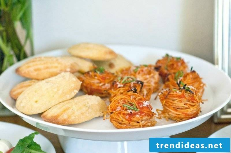 Ideas for dinner Kids party appetizers with spaghetti and Parmesan