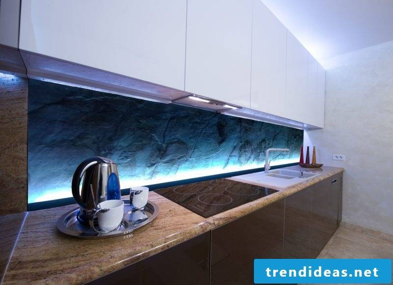 Kitchen back wall favorably with LED lighting