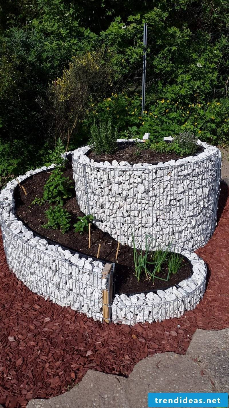 create a round crater high bed