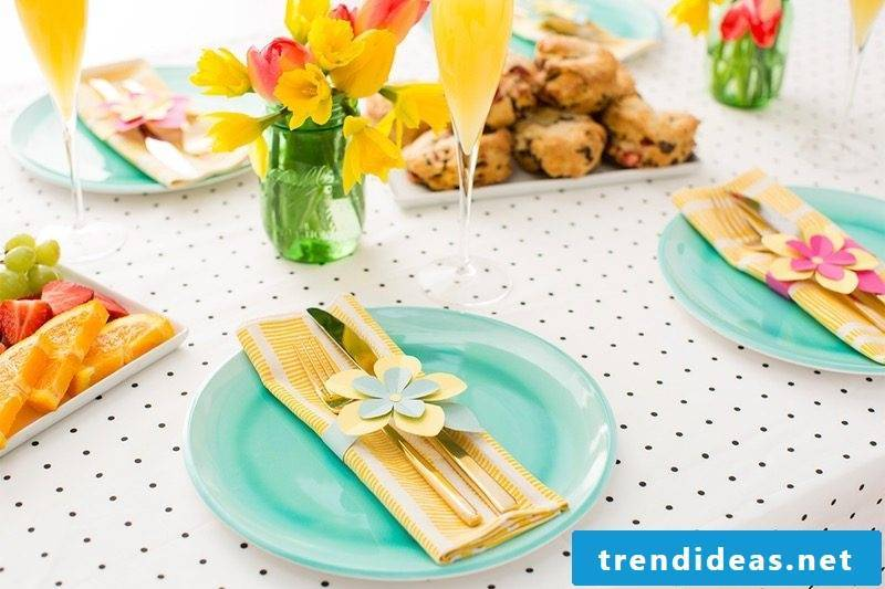 Easter pictures and instructions for inspiration for Easter table decoration