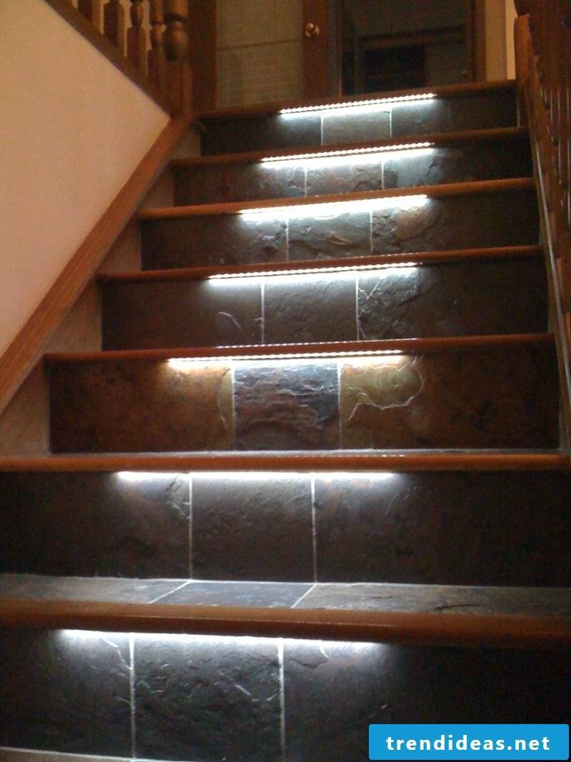 led staircase lighting stylish