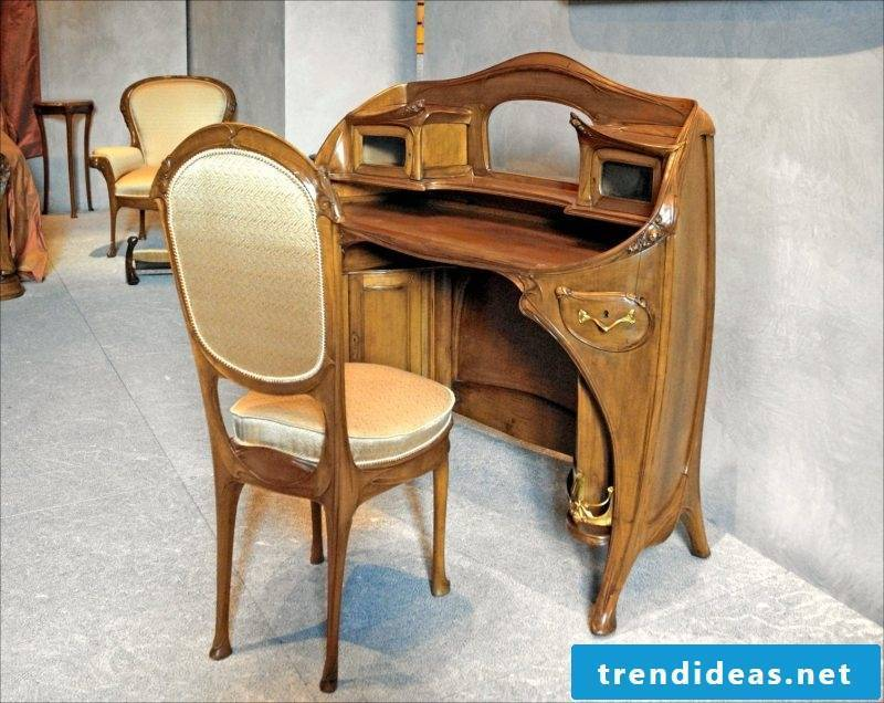 Art Nouveau features workroom idea