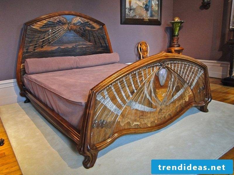 Art Nouveau features bedroom