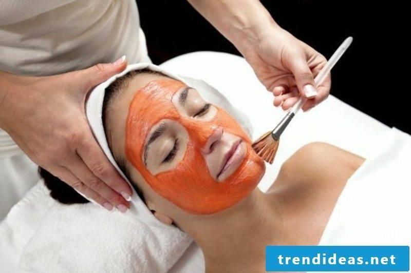 Facemask itself make carrot mask against wrinkles