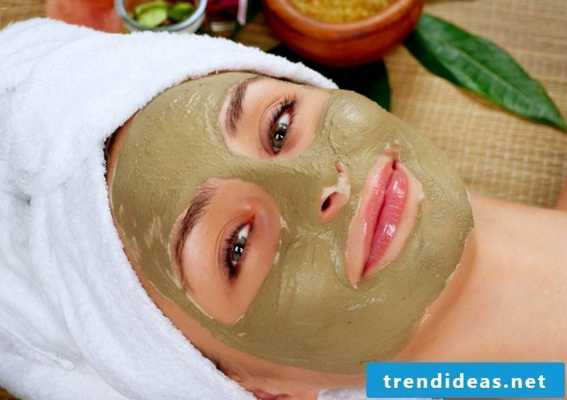 Make yourself face mask with avocado dry skin
