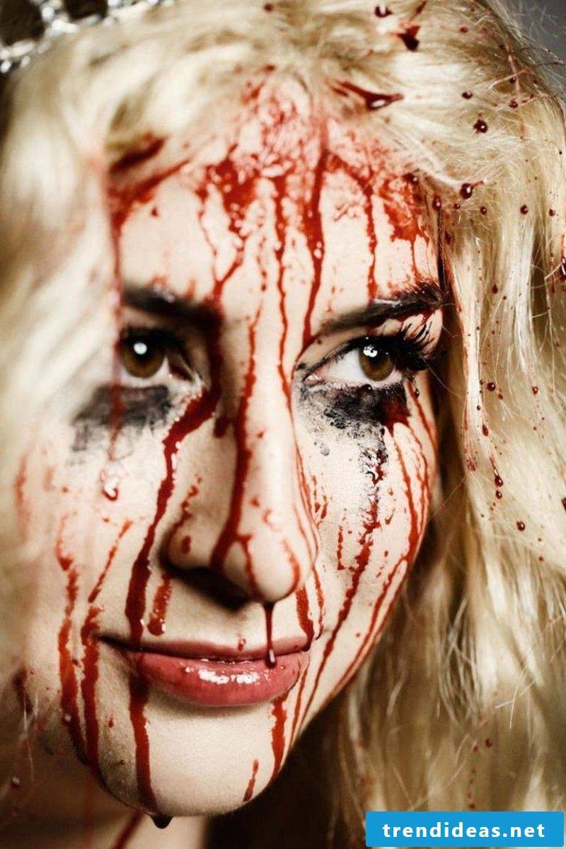 Artificial blood when applying makeup use bloody drops