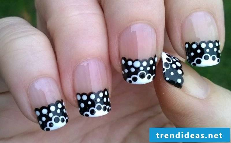 French Nails pattern nail tips black and white dots gel lacquer