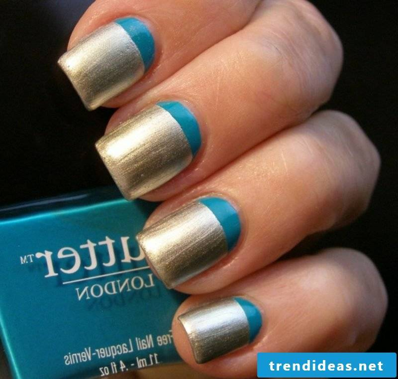 Nails French flipped blue and golden