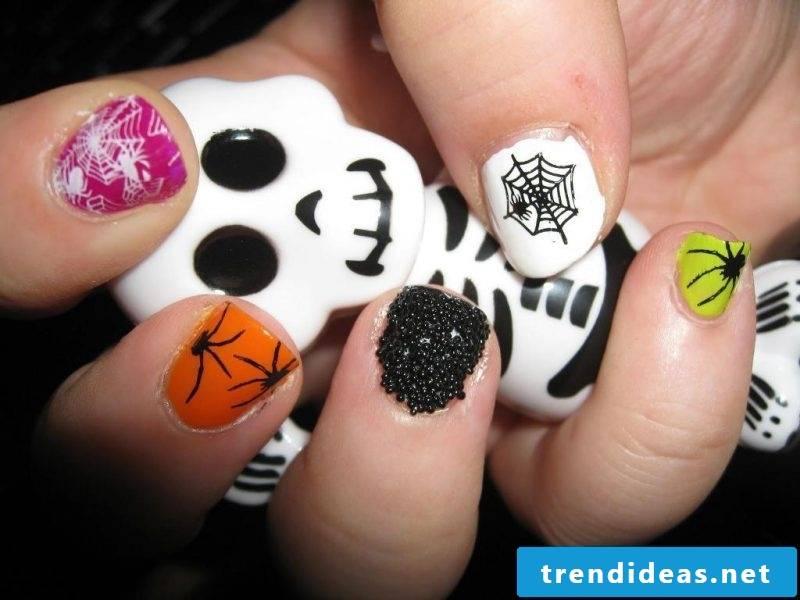 Halloween nails spider