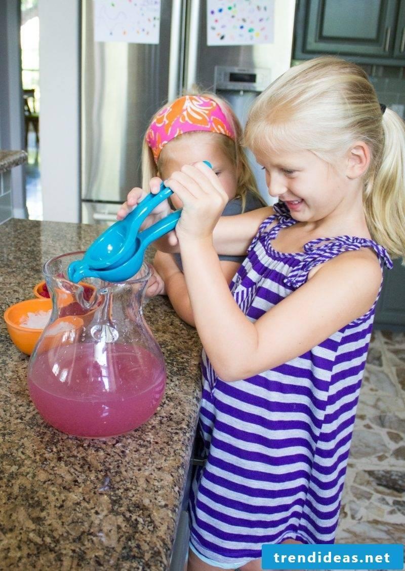 Make pink soda lemonade yourself