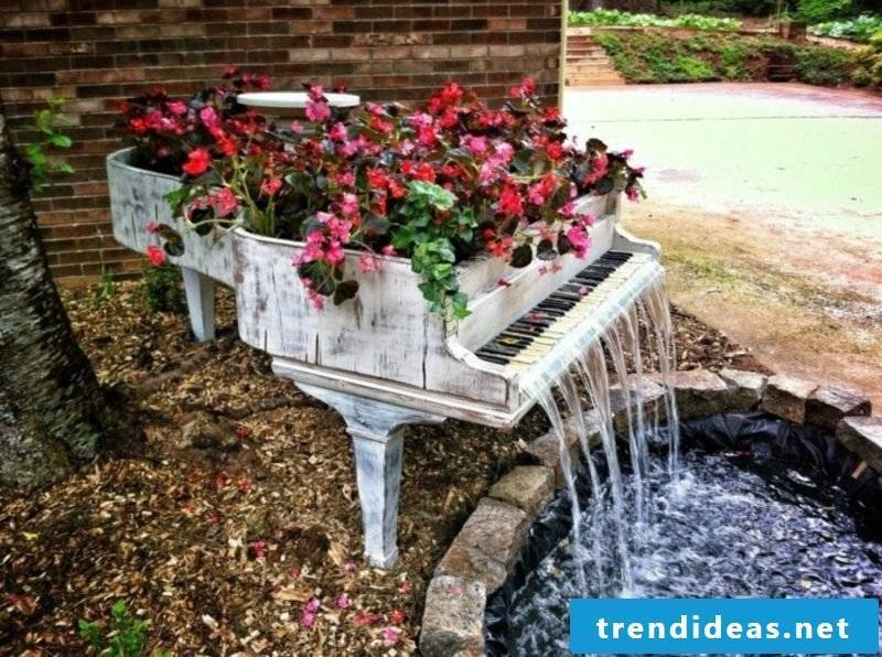 Fancy garden decoration itself make the piano water feature