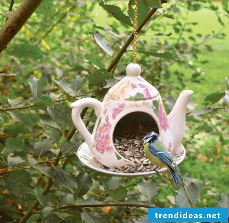 Fancy garden decoration itself make teapot birdseed