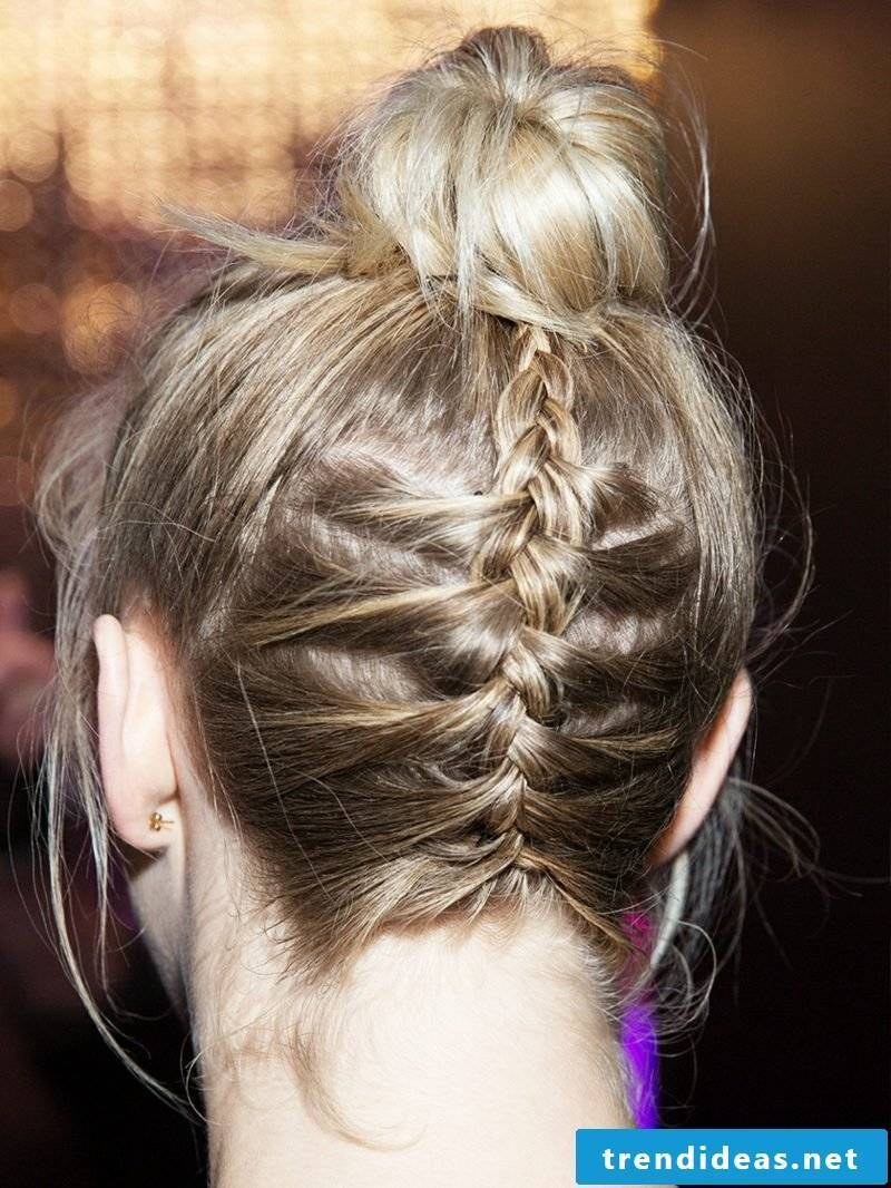 Updos simply braided Dutt