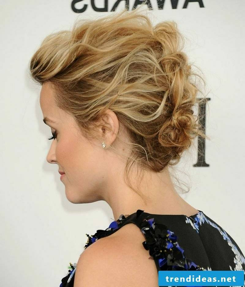 Updos make short hair themselves