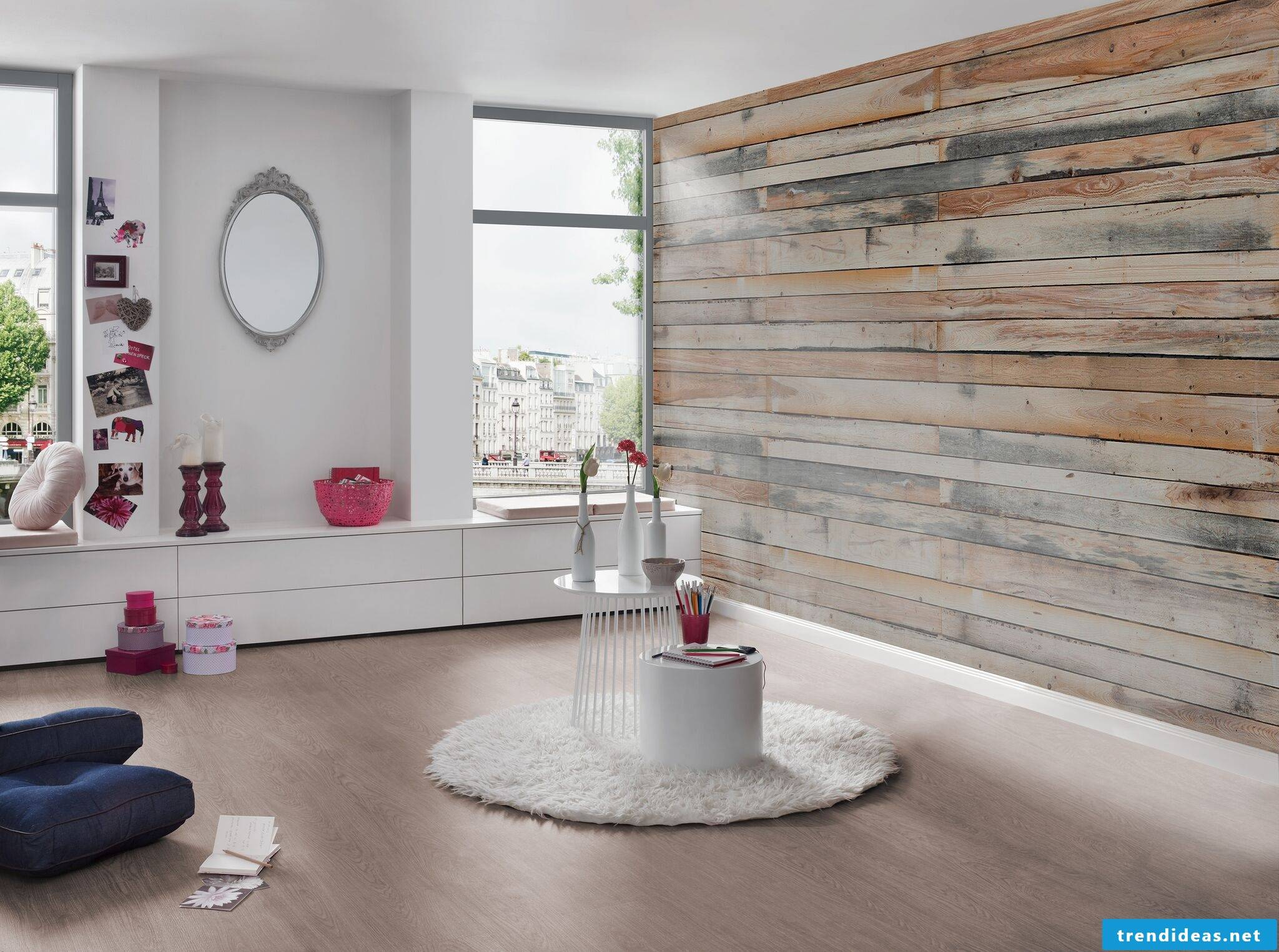 Wallpaper in wood look in the living room