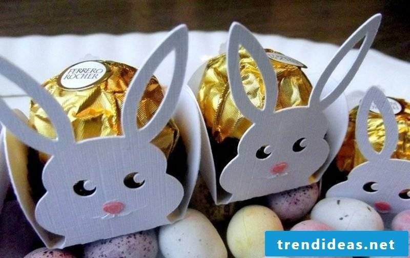Crafting ideas funny Easter bunnies made of paper