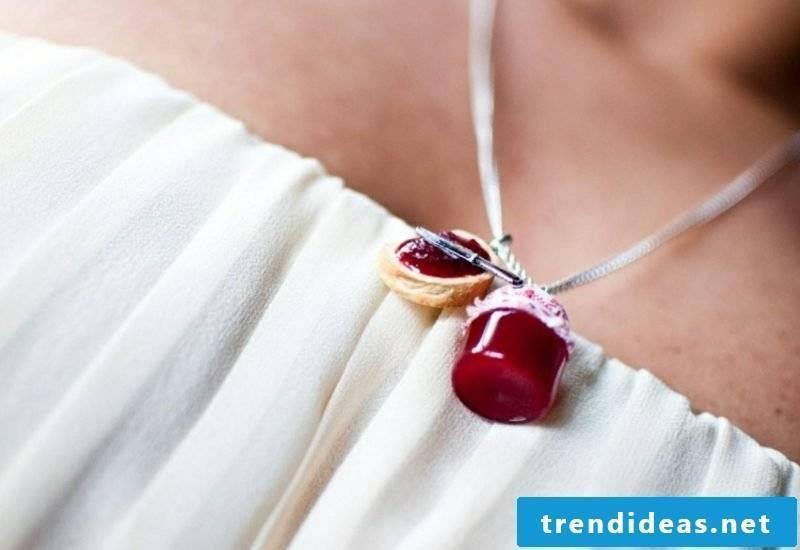 Jewelry tinker gorgeous necklace jam jar