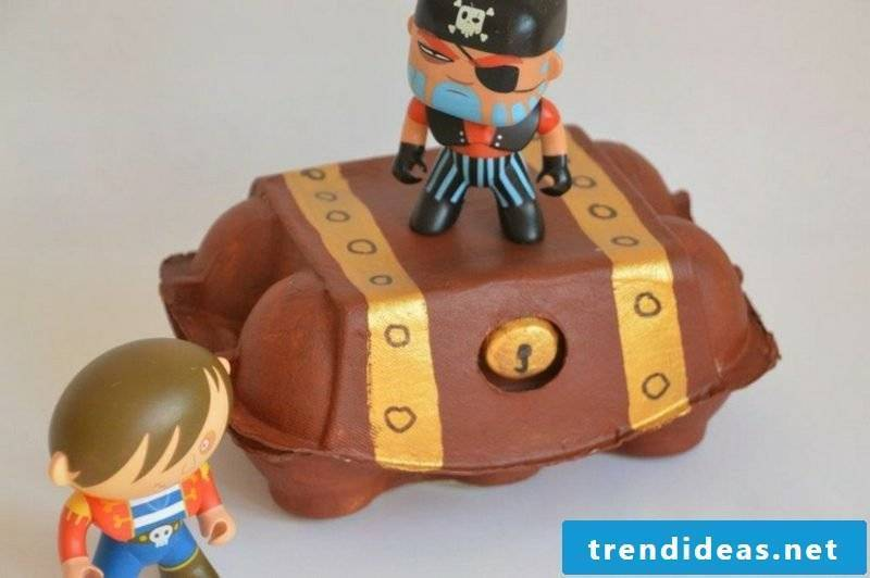 Treasure box tinker egg carton pirates