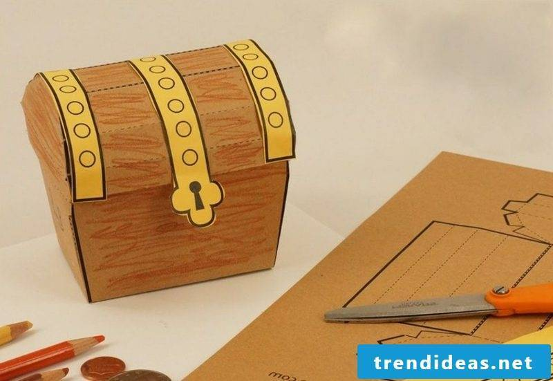 Treasure box made from paper template