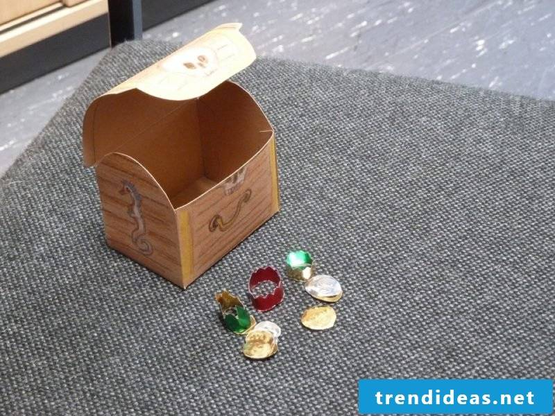 Small treasure box made of paper