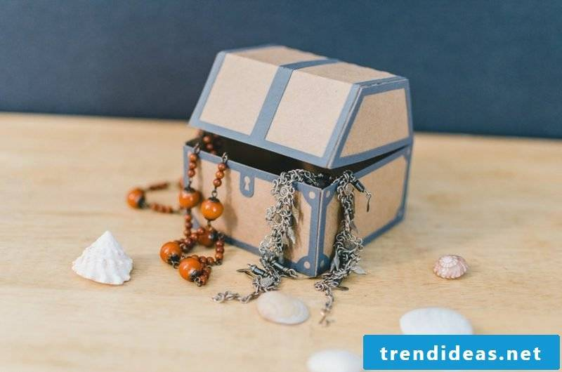 Paper treasure chest small original look