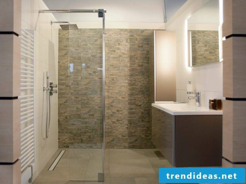 Masonry shower as an eye-catcher in the bathroom: pros and cons ...